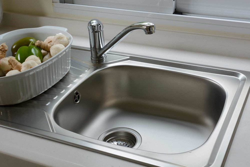 How-to-clean-your-kitchen-sink_featured.jpg