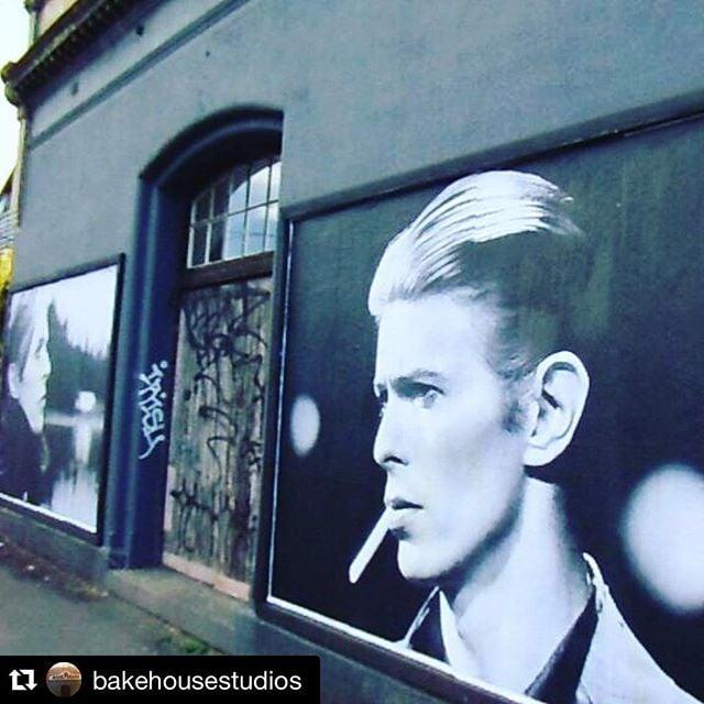 #Repost @bakehousestudios ・・・ #BOWIE tribute #publicart #hoddlestreet