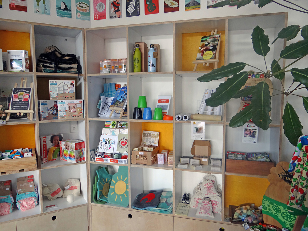 3.ecoshop shelves.jpg