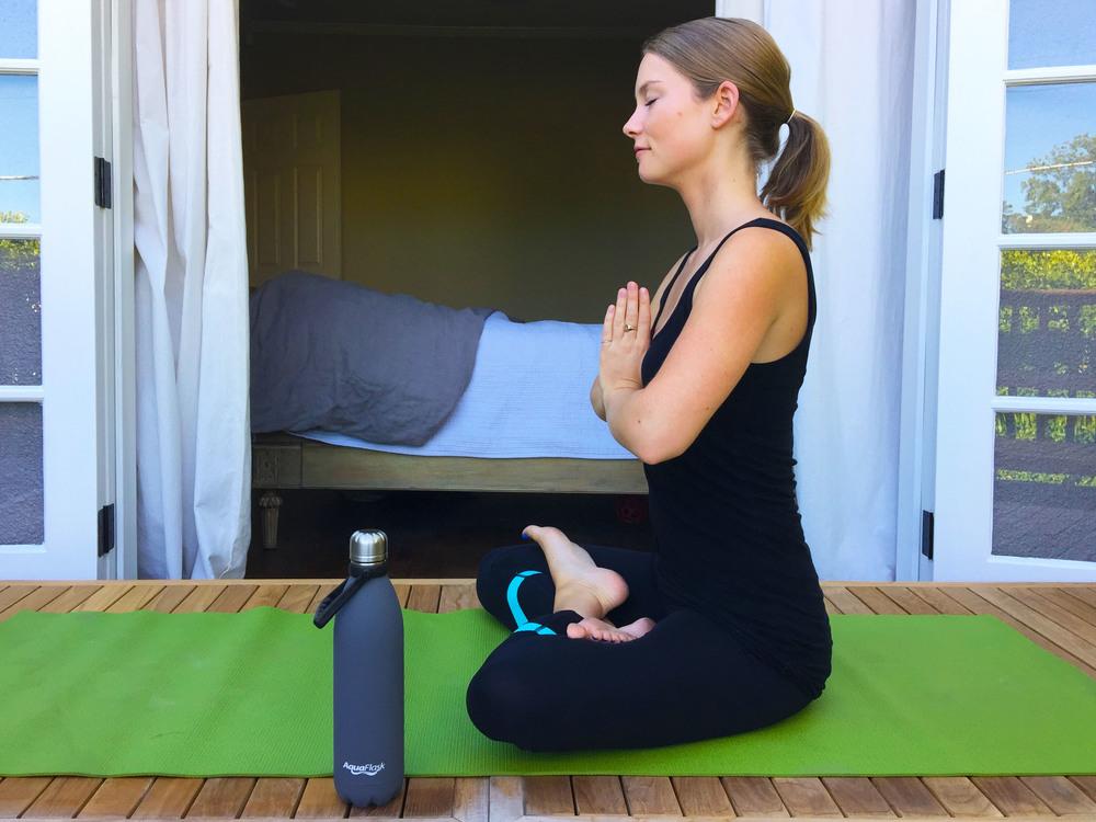 Annie Yoga M.jpg