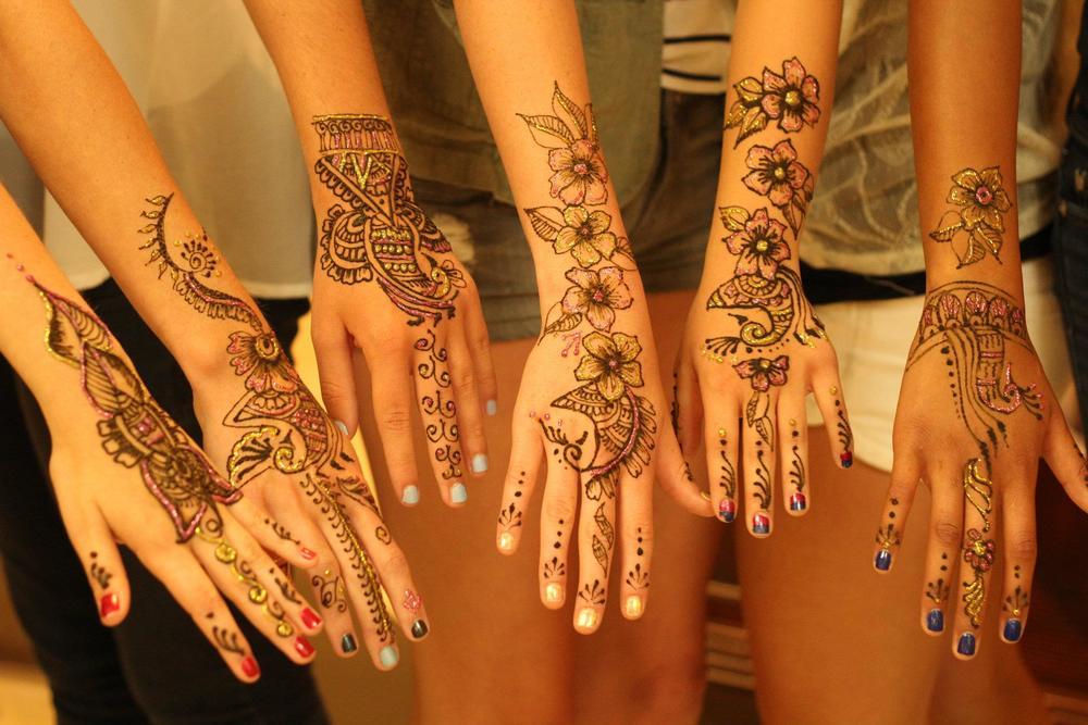henna2-hands.jpg