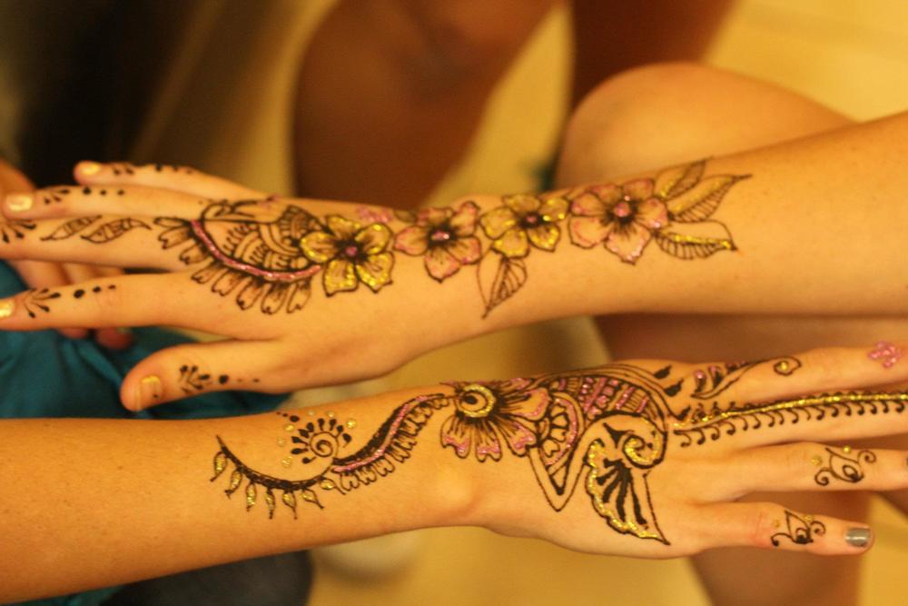 henna3-hands.jpg