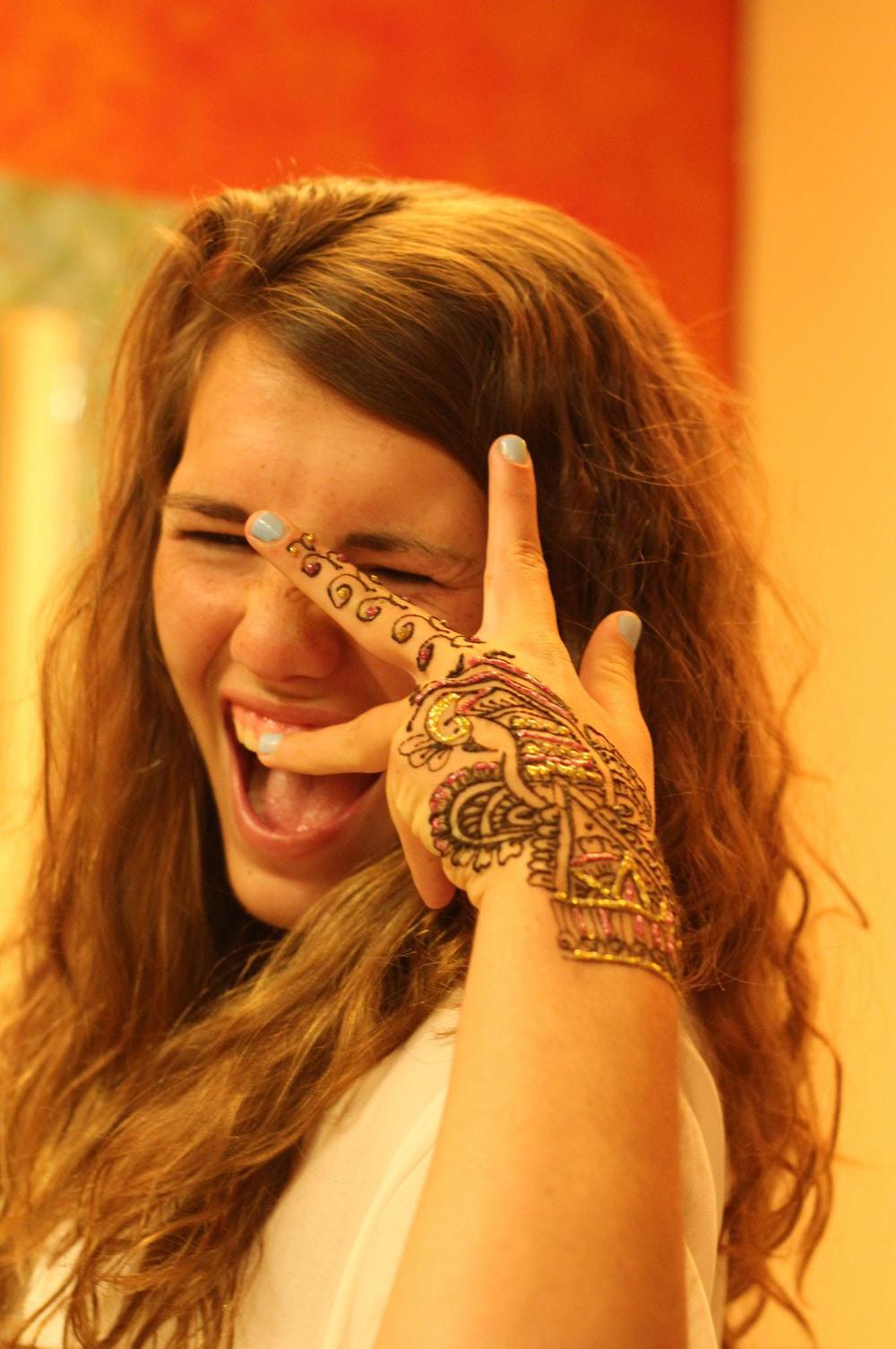 henna4-hands.jpg
