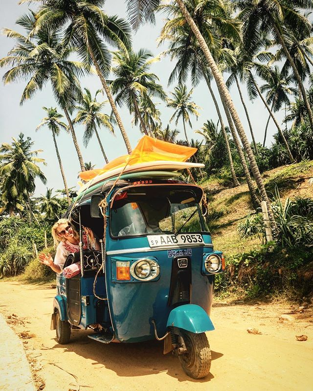 That's the way I like it! 🌊❤️💑🌞🚕🏝#honeymoon #srilankasurf #hiriketiya #tuktuk#surfing#ilovemywife