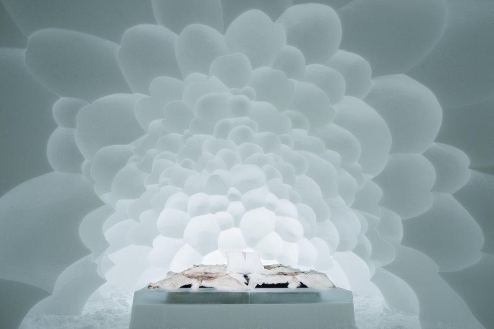 Art suite - Cumulus-Annakatrin Kraus & Hans Aescht- ICEHOTEL 28  Photo by - Asaf Kliger.jpg