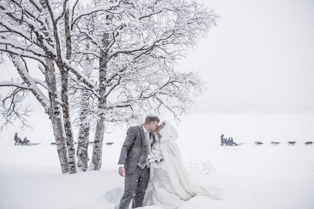 H&S - ICEHOTEL wedding - Asaf Kliger (3 of 13).jpg