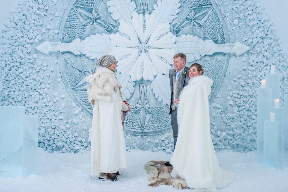 H&S - ICEHOTEL wedding - Asaf Kliger (7 of 13).jpg