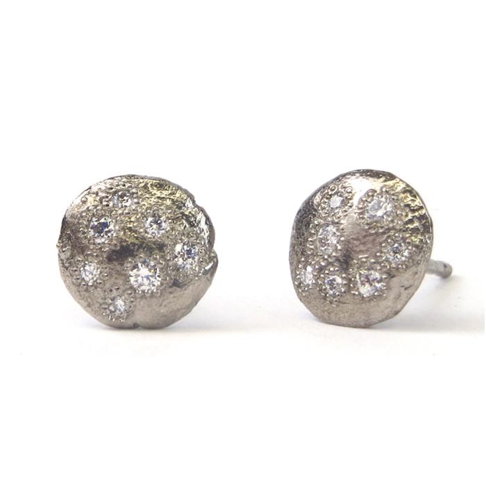 Little earrings WG.jpg