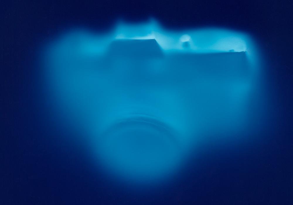 Blue 2, Penelope Davis,2000, type c print, 78x100cm