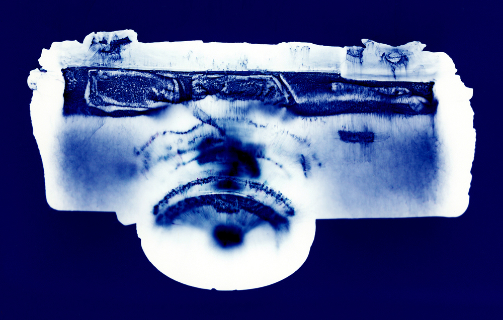 Camera #9, Penelope Davis,1997,type c print, 76x105cm