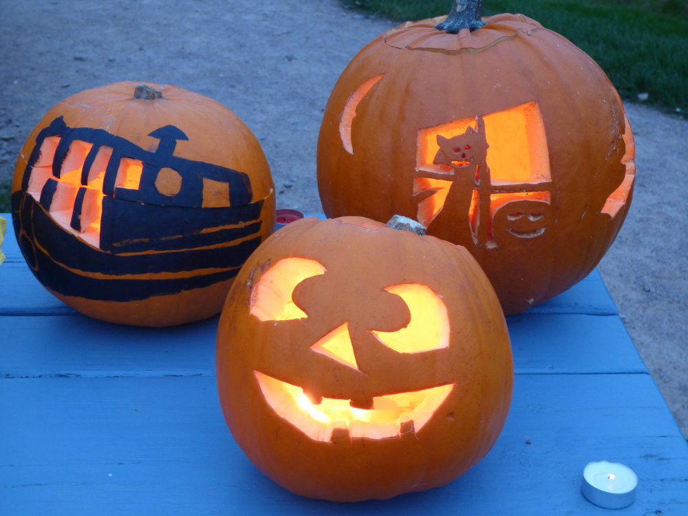pumpkin_challenge_narrowboat_river_nene_marina