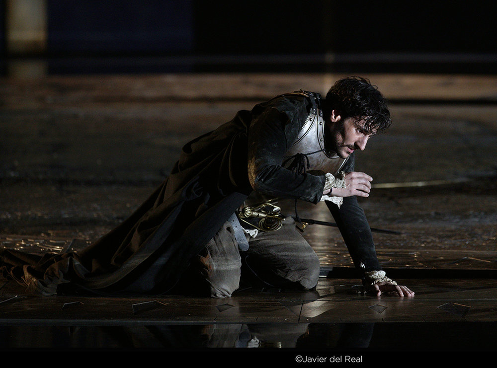 Leonardo Capalbo as Essex in  Gloriana  at the Teatro Real