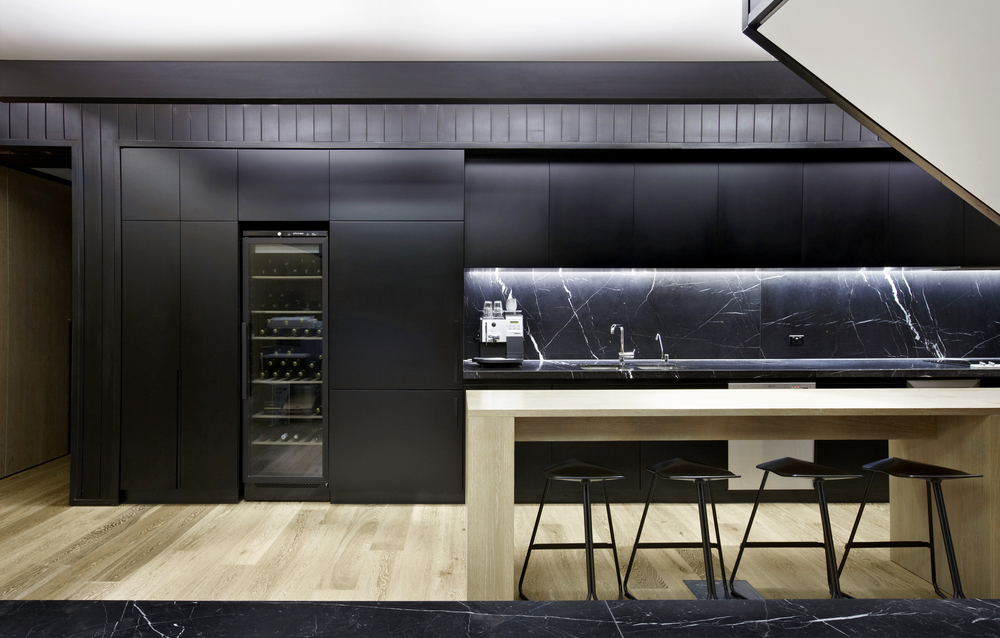 Black kitchen design by Chamberlain Architects