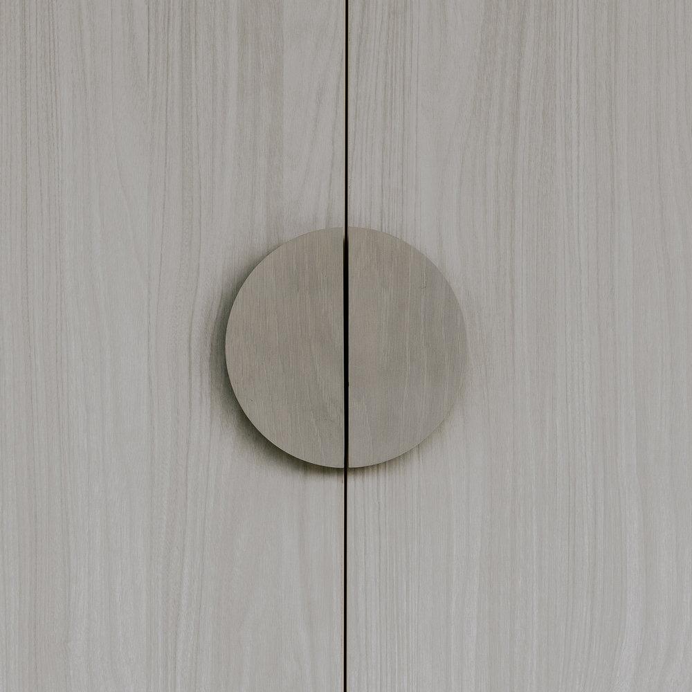 LOWELaSal-door handle.jpg