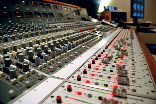 Neve-Flying-faders.jpg
