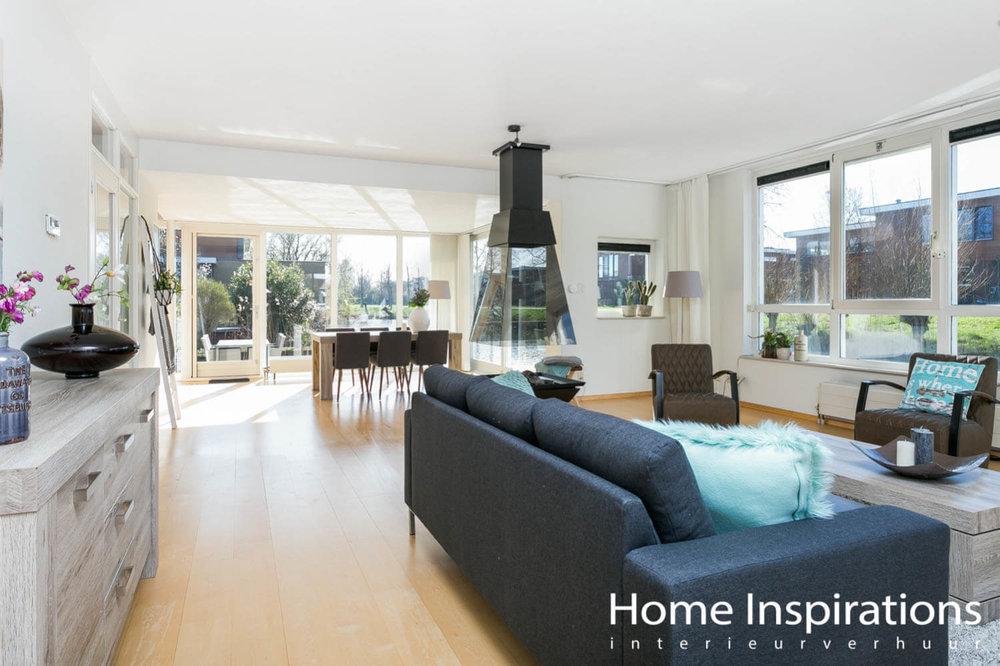 Complete woonkamer modern ingerichte woning