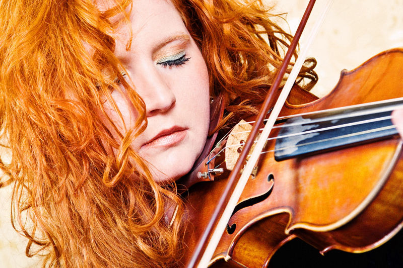 Martina Eisenreich, violin.  Fotography by Mike Meyer. (Print Resolution)