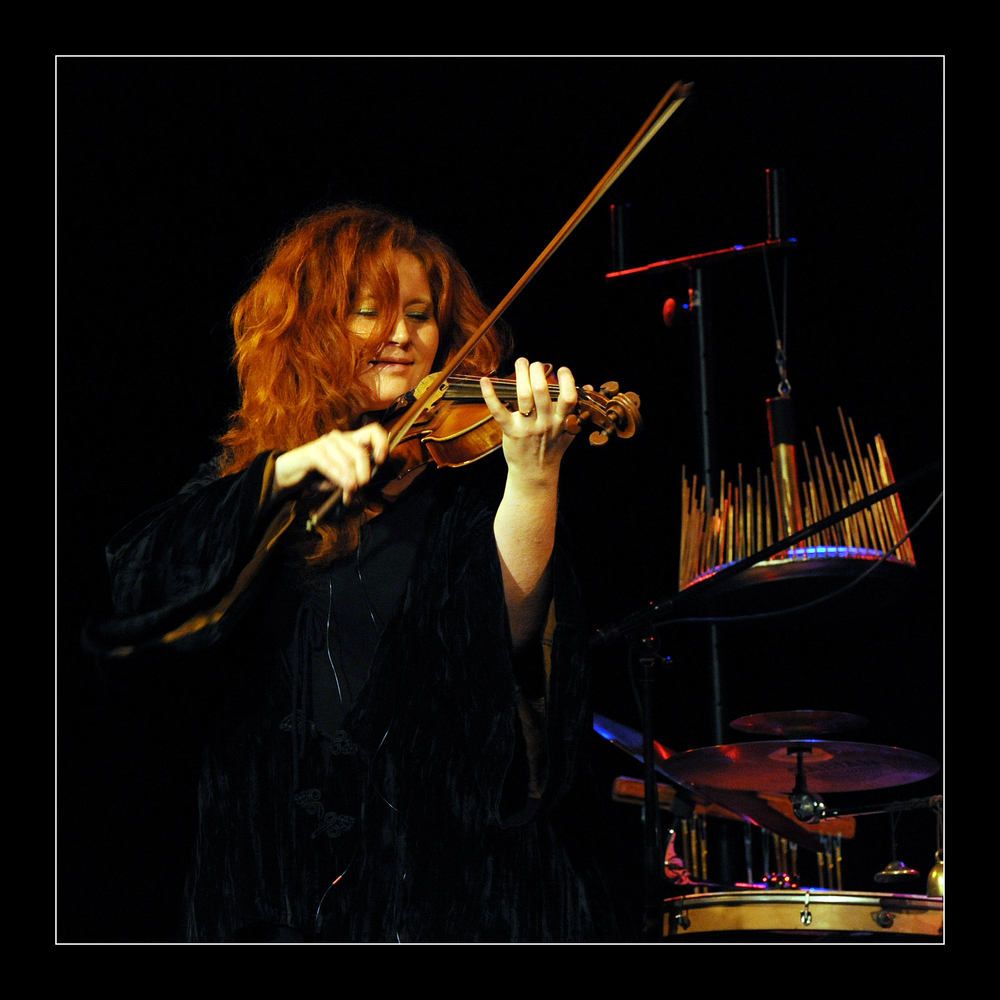 Martina Eisenreich, violin. Photography by Yakup Zeyrek