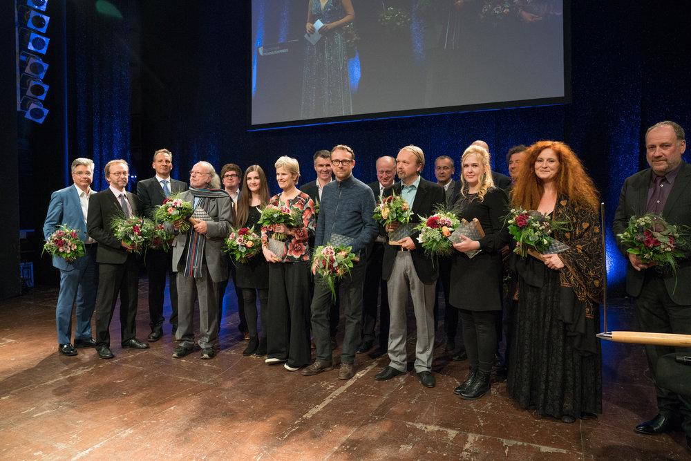 PreisträgerInnen und LaudatorInnen des DEUTSCHEN FILMMUSIKPREISES 2018. Foto:  deutscherfilmmusikpreis.de , ©Joachim Blobel