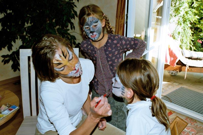 Kinderschminken_Geburtstag_Spa�_Verkleiden_Privat_Zuhause_Buchen_M�nchen_Spa�_Spiele_Schatzsuche