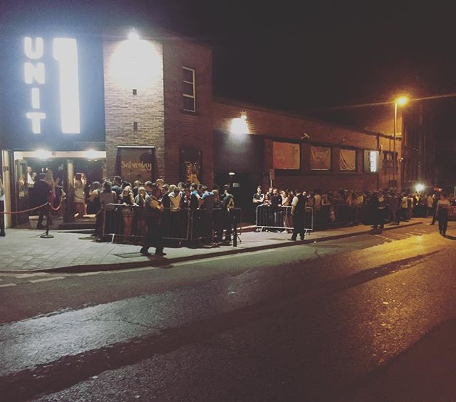 11pm and a queue that still stretches back a fair way. #djwillby smashing out the tunes tonight till late at our one and only @unit1exeter #snapchat us on DSP-Mondays best snap wins £50 #dsp #originalsin #dirtysexypeople #unit1 #exeter #exeteruni