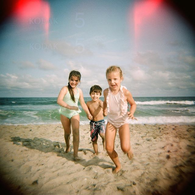 Oh how I miss beach days! Although I noticed it staying lighter a little later today and that made me very happy 😀 #holga #lbi #lehighvalleyphotographer #filmmama #statefilmlab