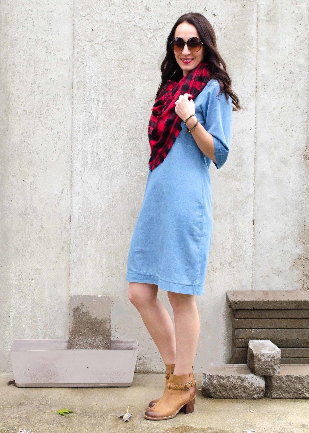 Blanket Scarf: DIY (No Sew) Flannel Blanket Scarf Tutorial | Boots: Sperry