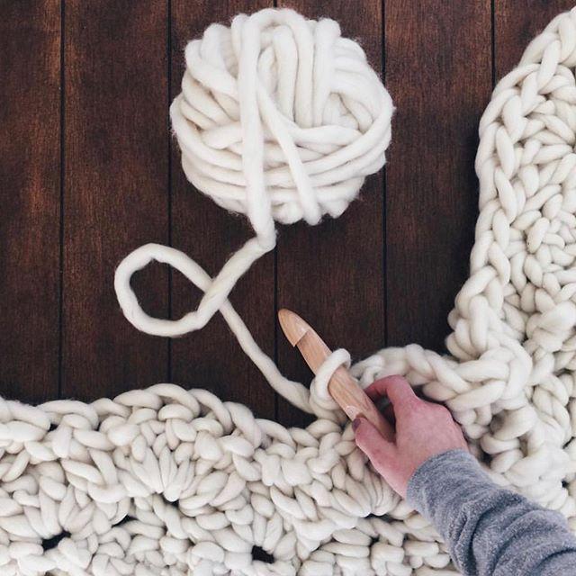 PSA: All yarn orders are 20% off while supplies last! If you need a blanket pattern (it's FREE) swipe for the ever popular shell stitch blanket pattern chart. 😍🎉 Happy almost end of winter, friends! • • • #knittersofinstagram #coffeeandblankets #thatsdarling#midcenturymodern#thedarlingmovement #makersmovement #makersgonnamake #pursuepretty #crochet #crochetaddict#crocheting #yarnaddict #makersvillage #ourmakerlife #extremeknitting #cozyblanket #chunkyknits #creatorslane #crochetlife #homedecor #shopsmall #handmade #bigknits #woolfreeyarn #homedecor