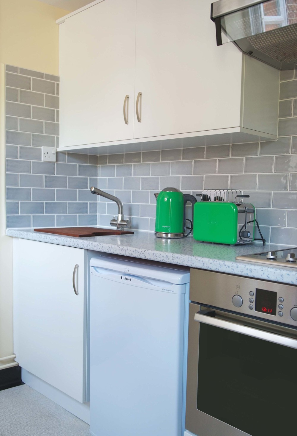 The galley kitchen has cutlery and crockery for four people. There are two hobs, a full oven, fridge, kettle & toaster. Provisions can be provided for late arrivals.