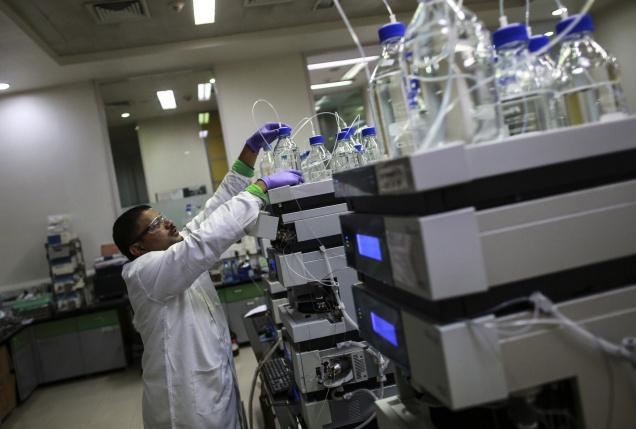 India's R&D spending remains low when compared to most other countries that aspire to economic leadership. Picture shows the research laboratory of a private pharmaceutical firm in Mumbai. Photo: Reuters