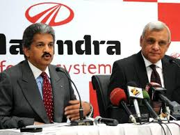 Vice Chairman and Managing Director, Mahindra Group, Anand Mahindra with Chief Executive, Mahindra Defence Systems, Brigadier Khutub Hai(right). File Photo: S. Subramaniu