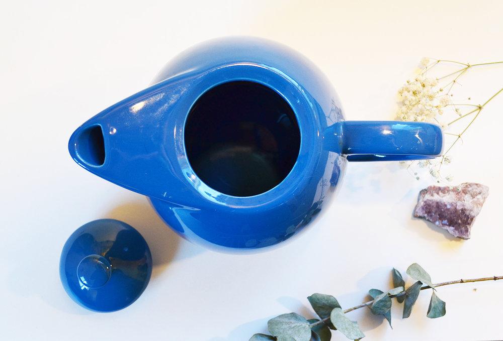 blueteapot3.jpg