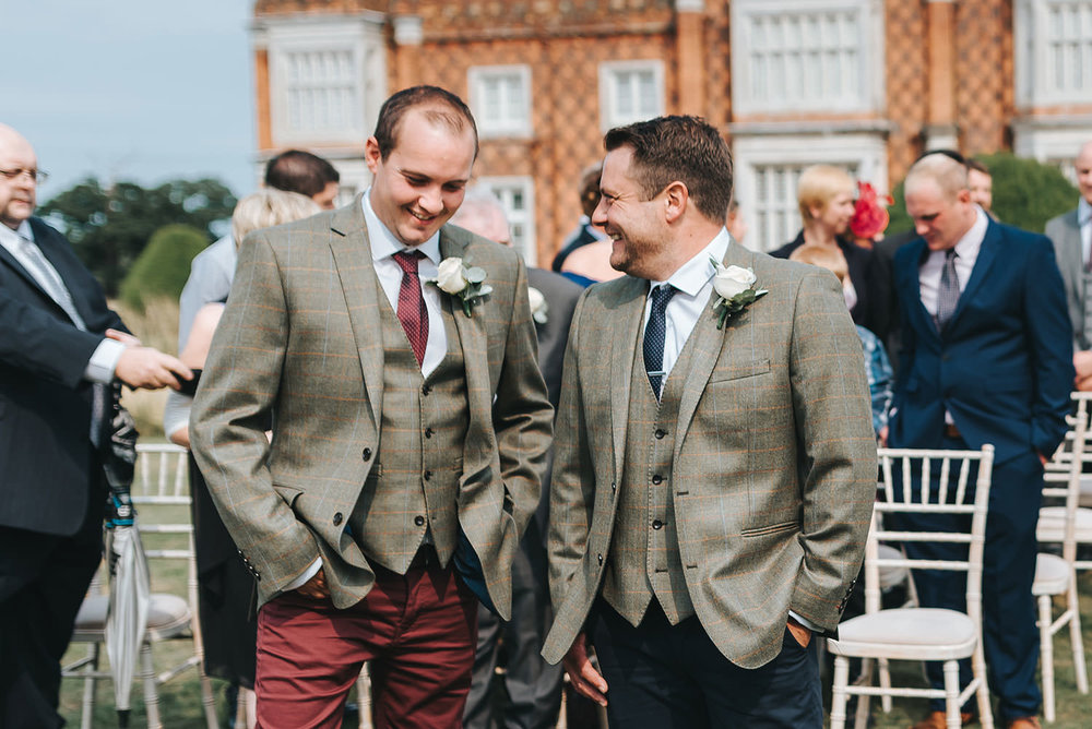 suffolk-wedding-photographer-helmingham-hall-28.jpg