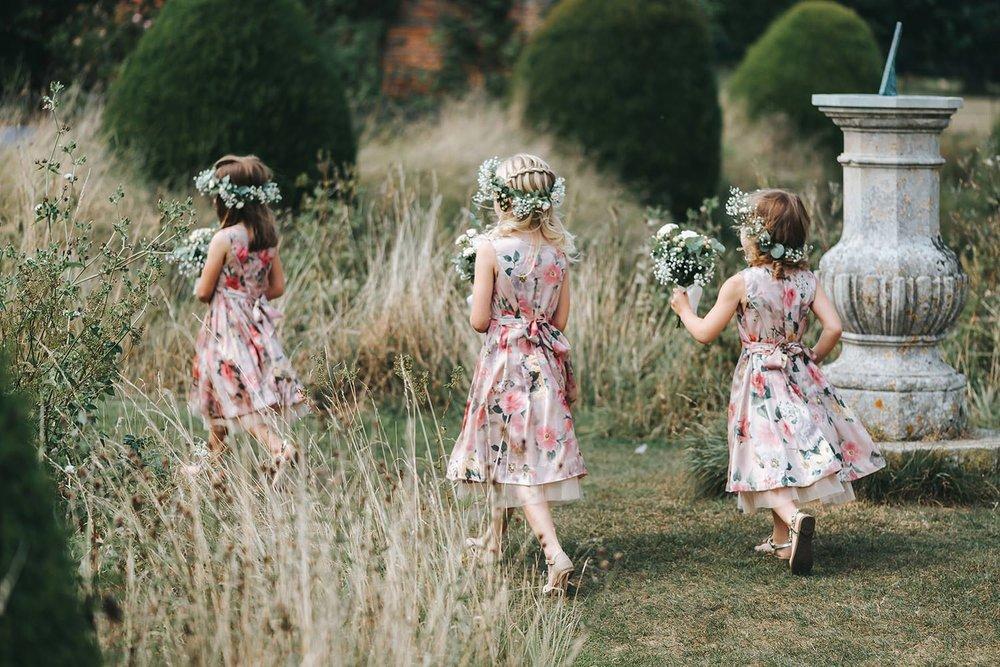 suffolk-wedding-photographer-helmingham-hall-25.jpg