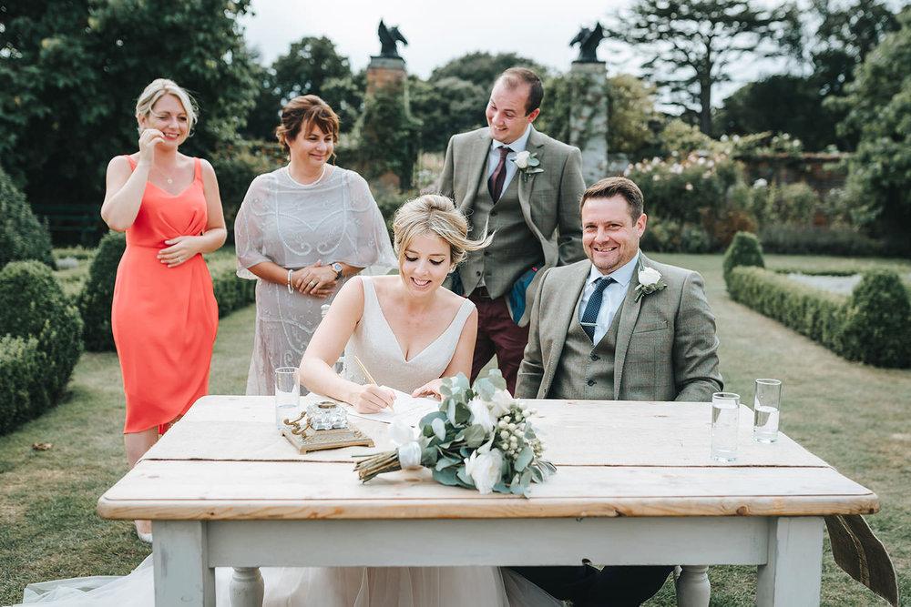 suffolk-wedding-photographer-helmingham-hall-42.jpg