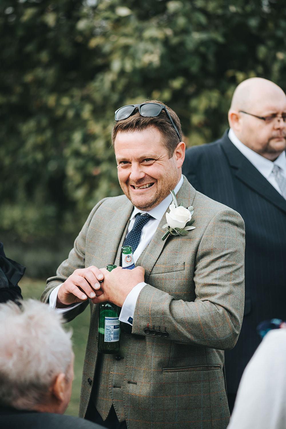 suffolk-wedding-photographer-helmingham-hall-48.jpg