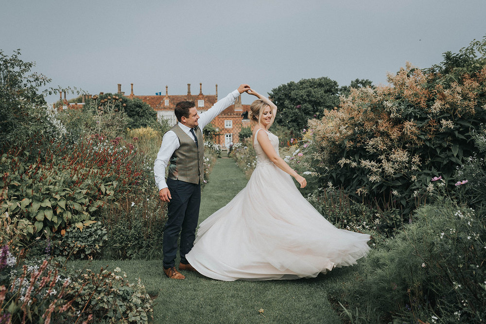 Helmingham Hall Wedding Photographer | Ipswich Wedding Photographer