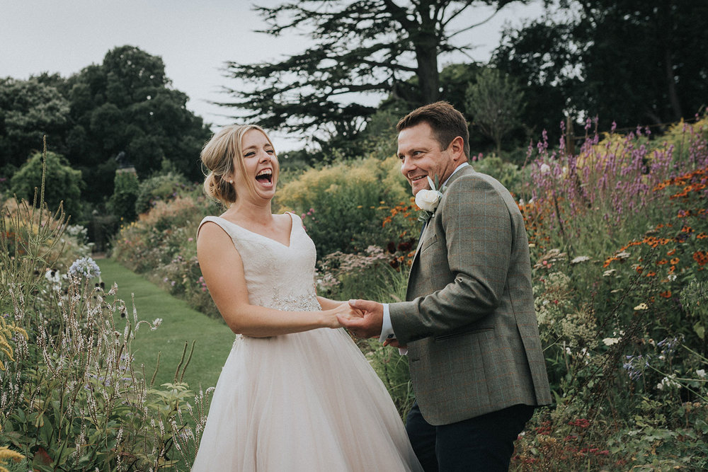 suffolk-wedding-photographer-helmingham-hall-74.jpg