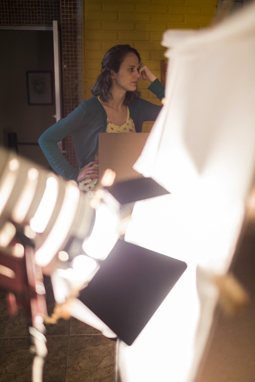 Nossa diretora quebrando a cabeça no set de Céu da Boca. Foto: Johann Stollmeier