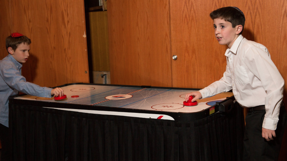 air hockey kids.png