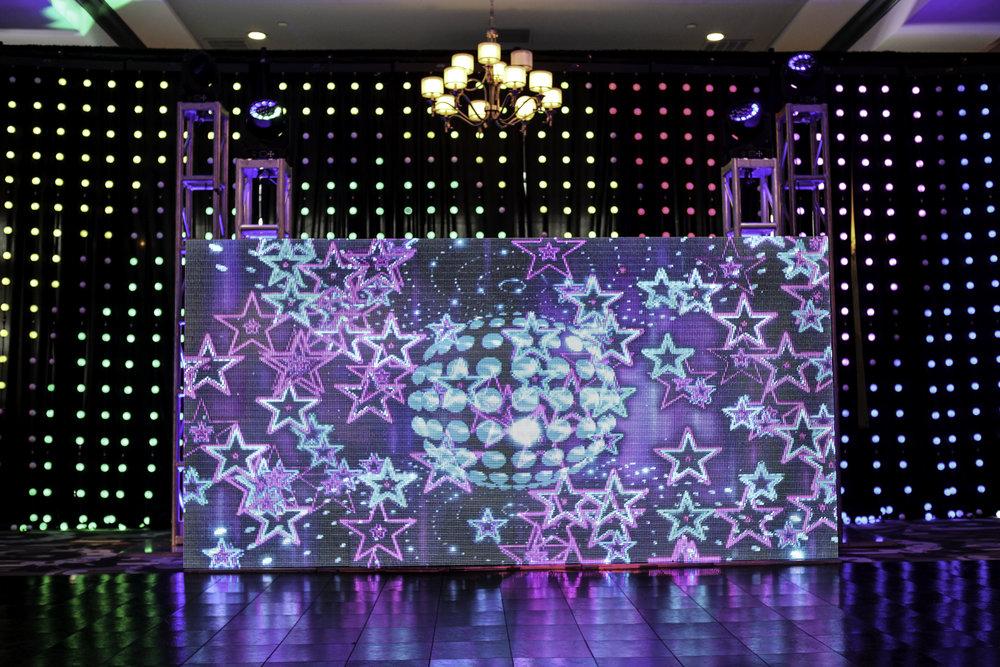 Wall- LED Ball_10.jpg