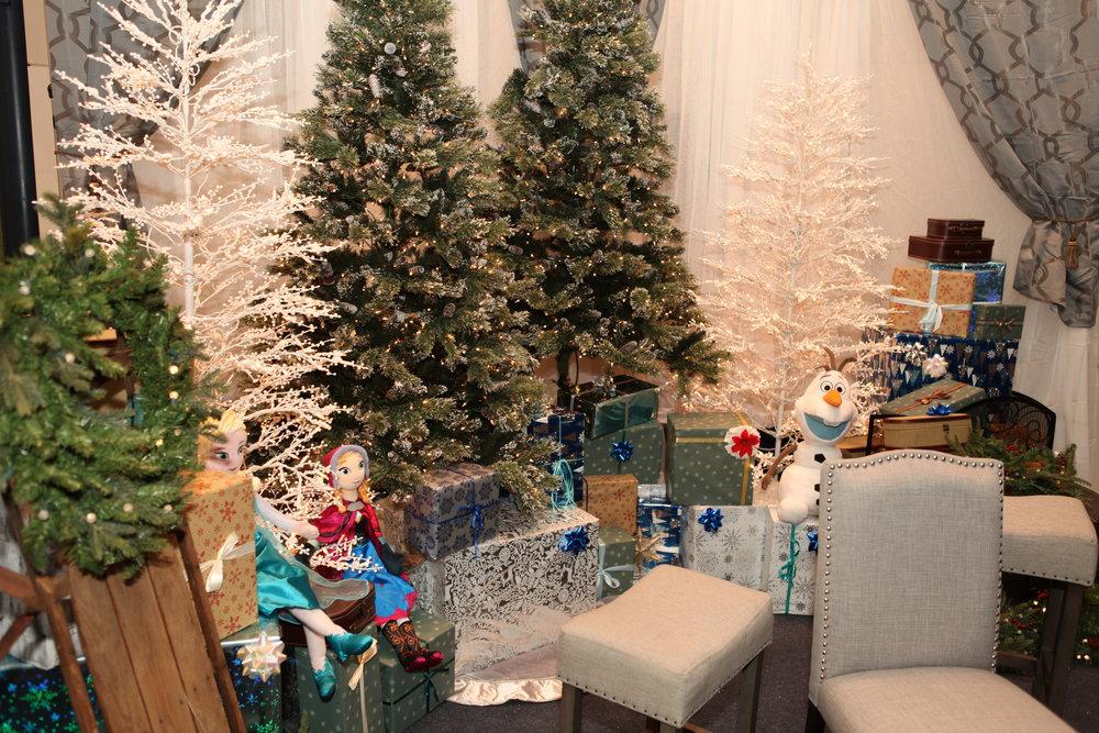 Holiday Set 3.JPG