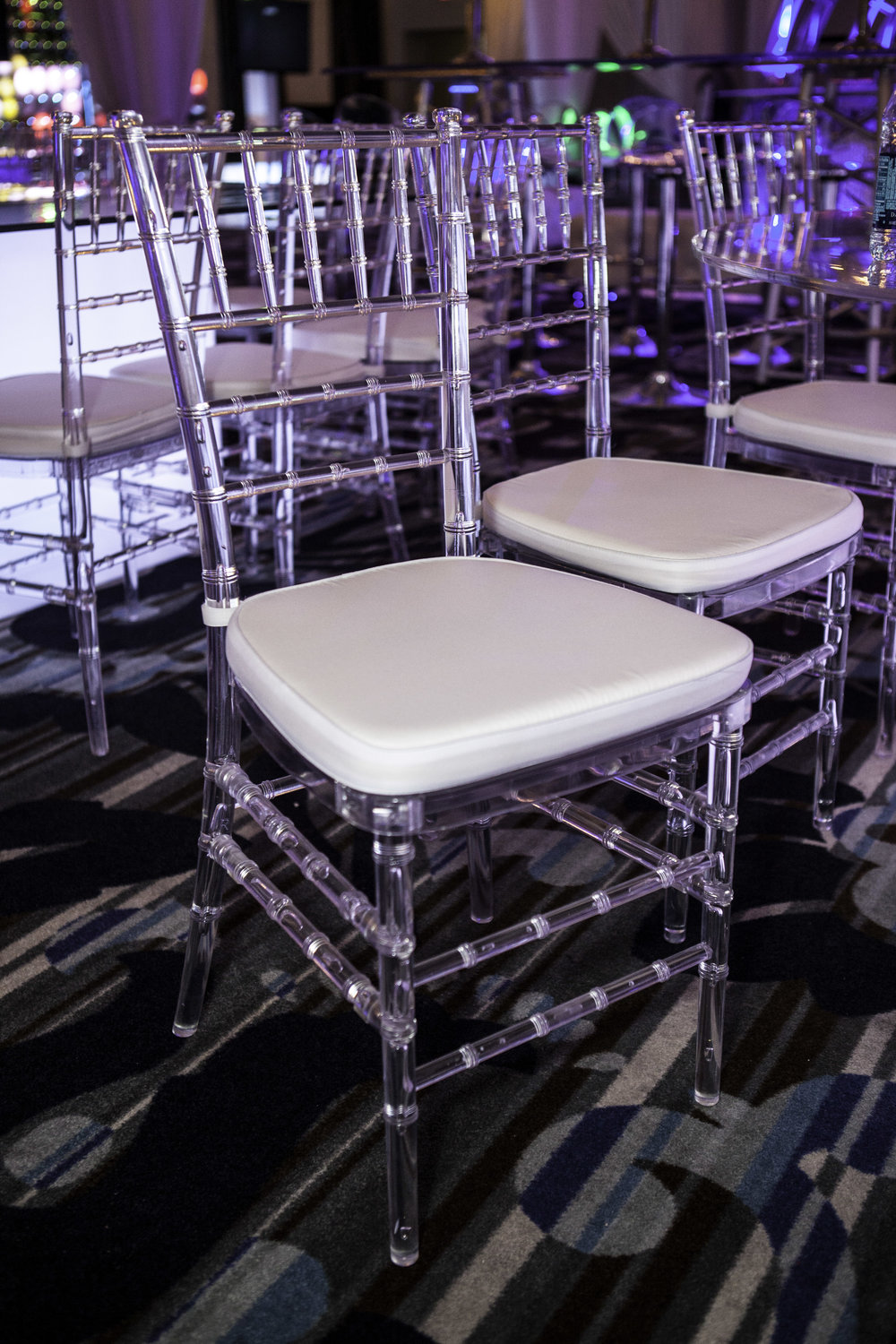 Chair- Chiavari Clear Chair w: White Cushion_1.jpg