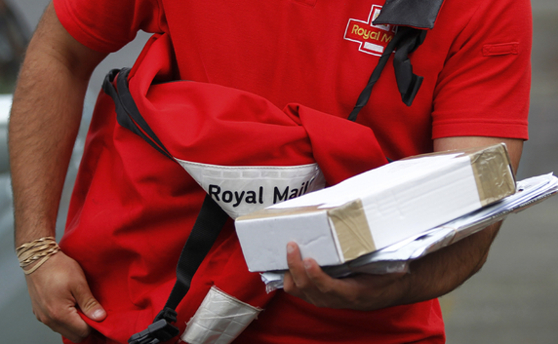 royal_mail_deliveryguy_cocoloves.jpg