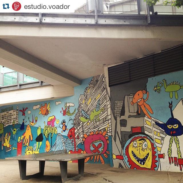 #Repost @estudio.voador ・・・ A brilliant wall of cool monsters drawn by children from the neighbourhood. ❤️ #streetart #kids #berlin #estudiovoador #flugbooks