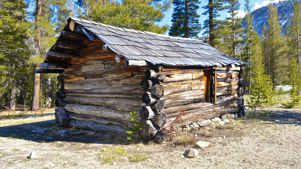 Big Arroyo Cabin Historical Site right before hitting the High Sierra Trail