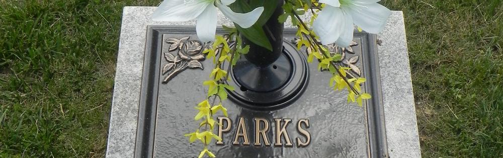 Burial plot monument
