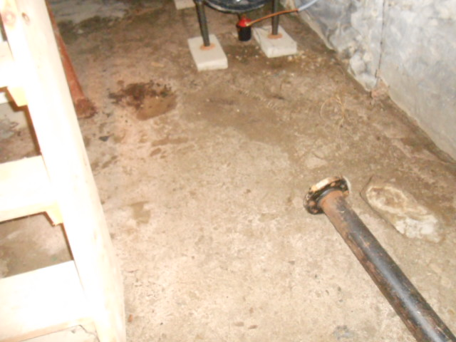 Basement - Dirt Floor