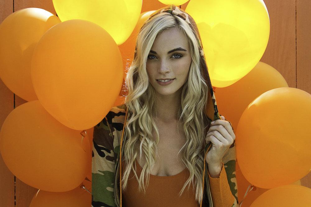 Orange Ballon 1.jpg