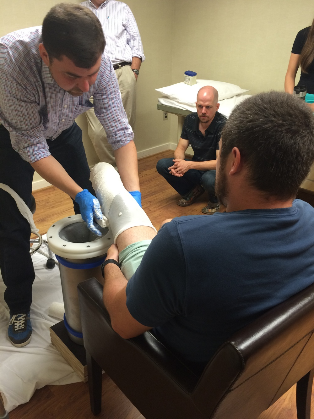 Casting the leg
